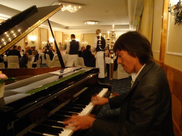 PianoNova1.jpg