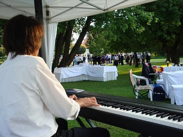 PianoNova3.jpg